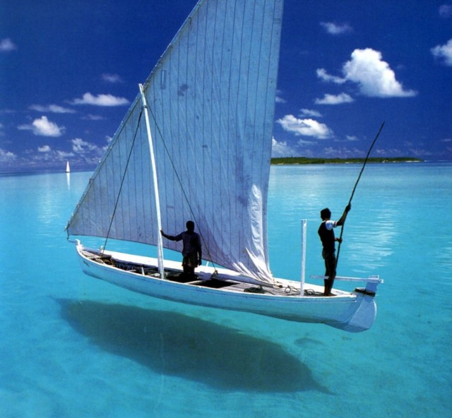 beautiful-tropical-sailboat