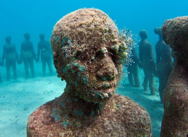 underwater-sculpture-grenada_34110_600x450