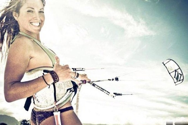 Girls just want to have fun…and kiteboard (40 photos) CLICK HERE