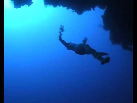 Freediving the Arch in Dahab, Egypt