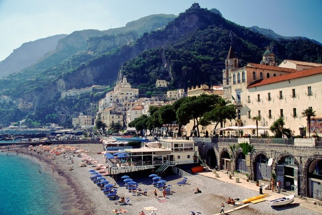 amalfi-coast-7-best-beaches-in-italy
