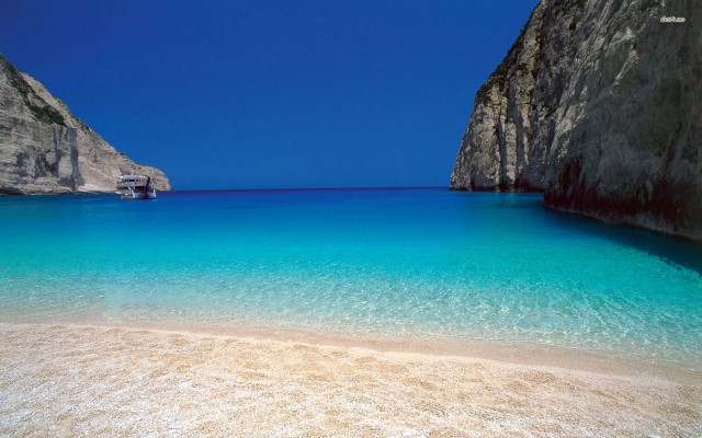 beach-in-greece-wallpaper
