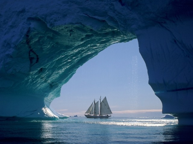 icebergs sailboats greenland 1920x1440 wallpaper_wallpaperbeautiful_36.decryptedKLR