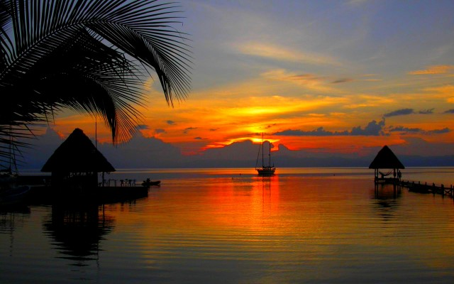 tropical-sunset-220700